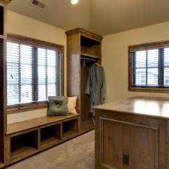 http://www.renoassistance.ca/wp-content/uploads/2015/01/Furniture-003-wpcf_242x242.jpg