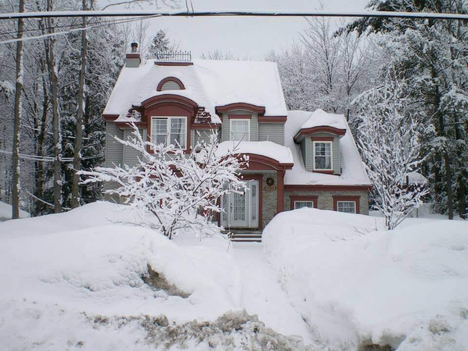 maison en hiver québec