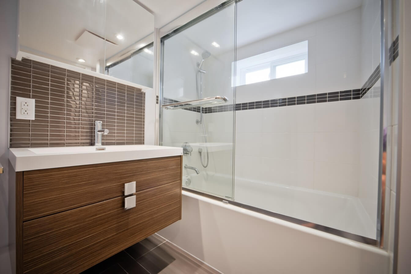 Bathroom Renovation Lamarre Project Modern Contemporary Bath-shower Glass shower doors Small bathroom