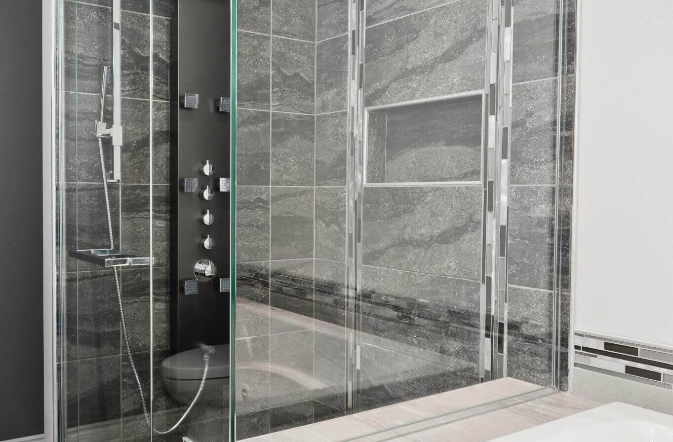 douche avec vitres