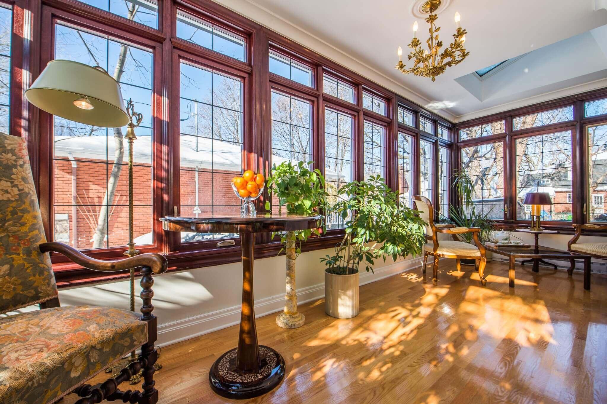 Sunroom addition cost toronto montreal reno assistance for Amenagement interieur veranda