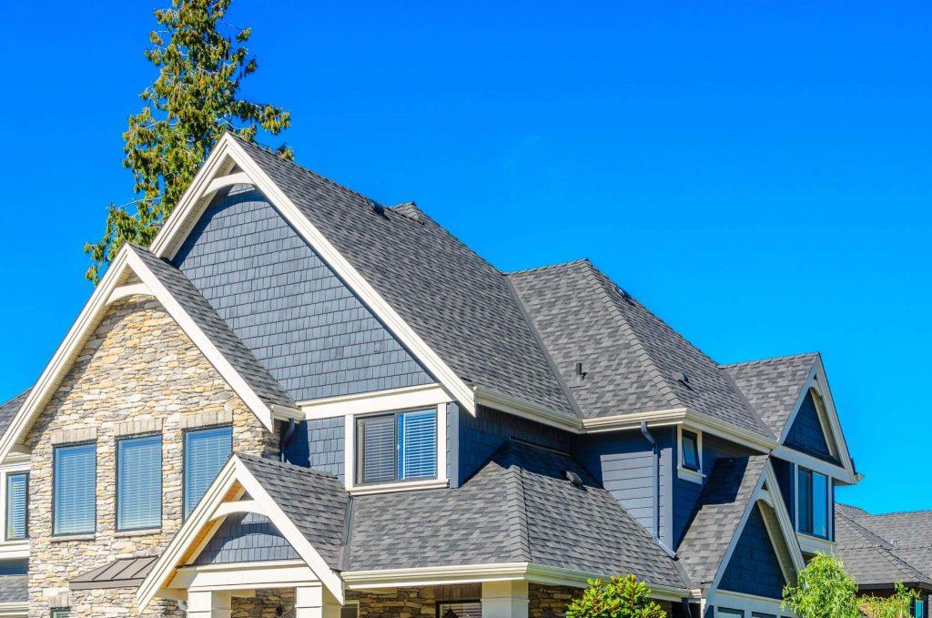 Quel est le prix du remplacement d'une toiture en 2021?