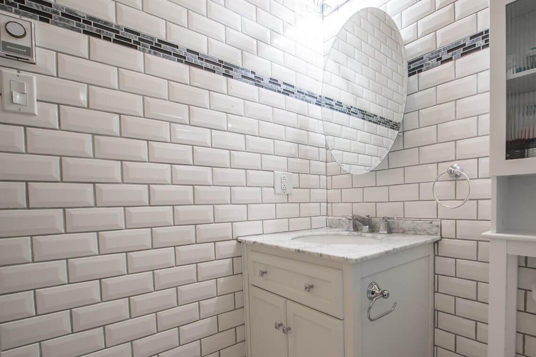 murs de ceramique salle de bain