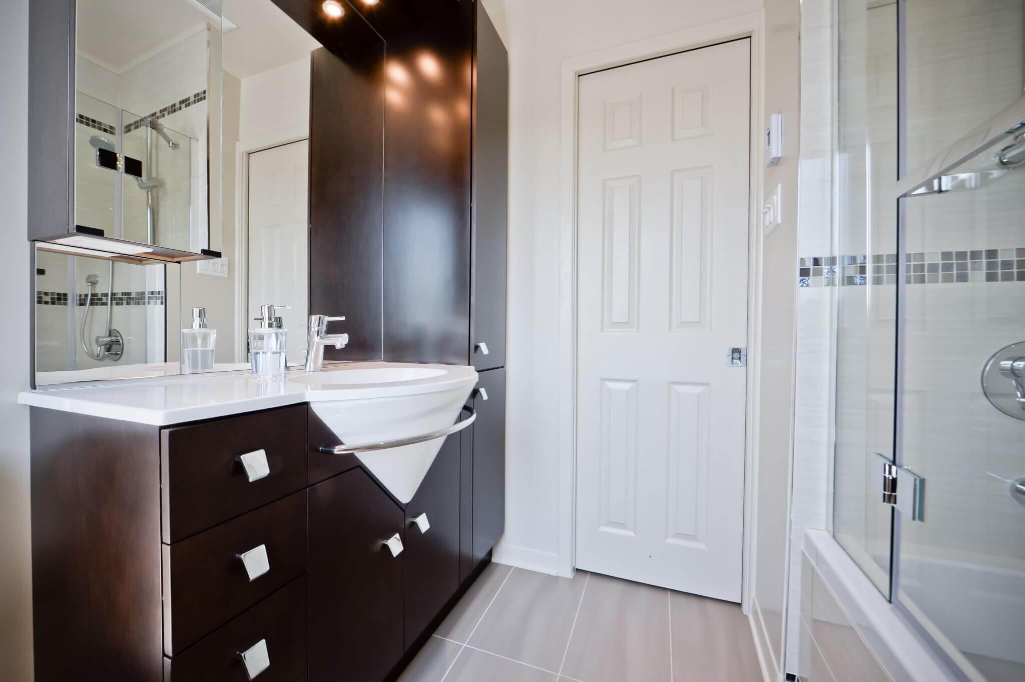 vanite brune salle de bain