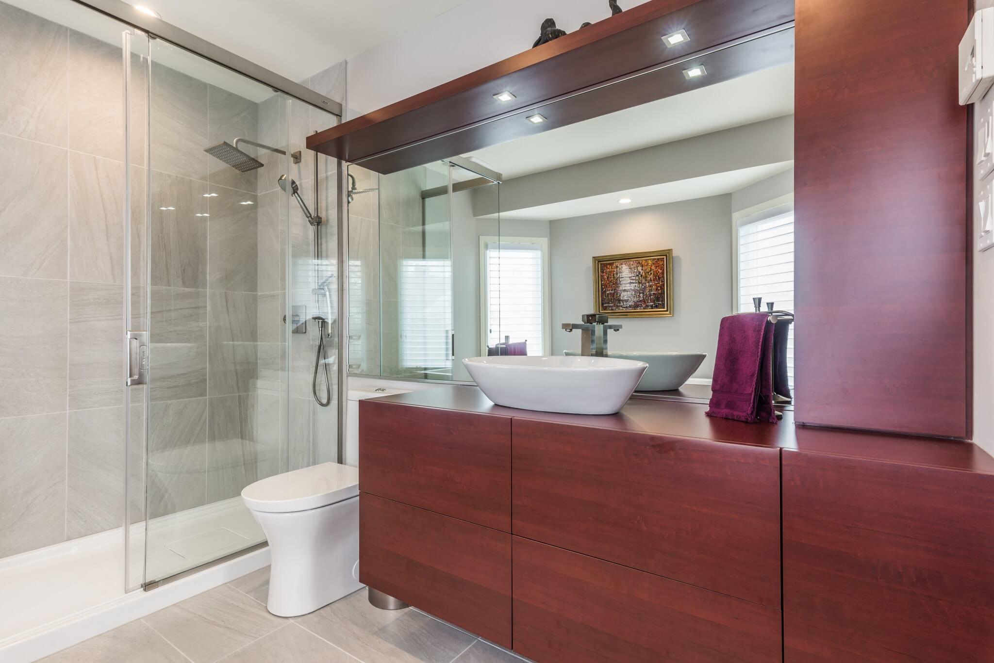 vanite et armoires salle de bain