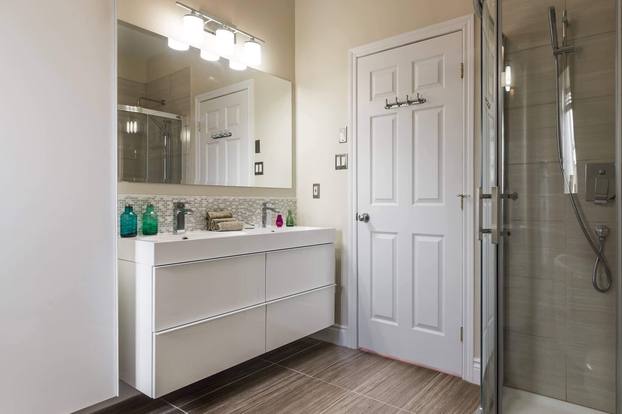 vanite de salle de bain neuve