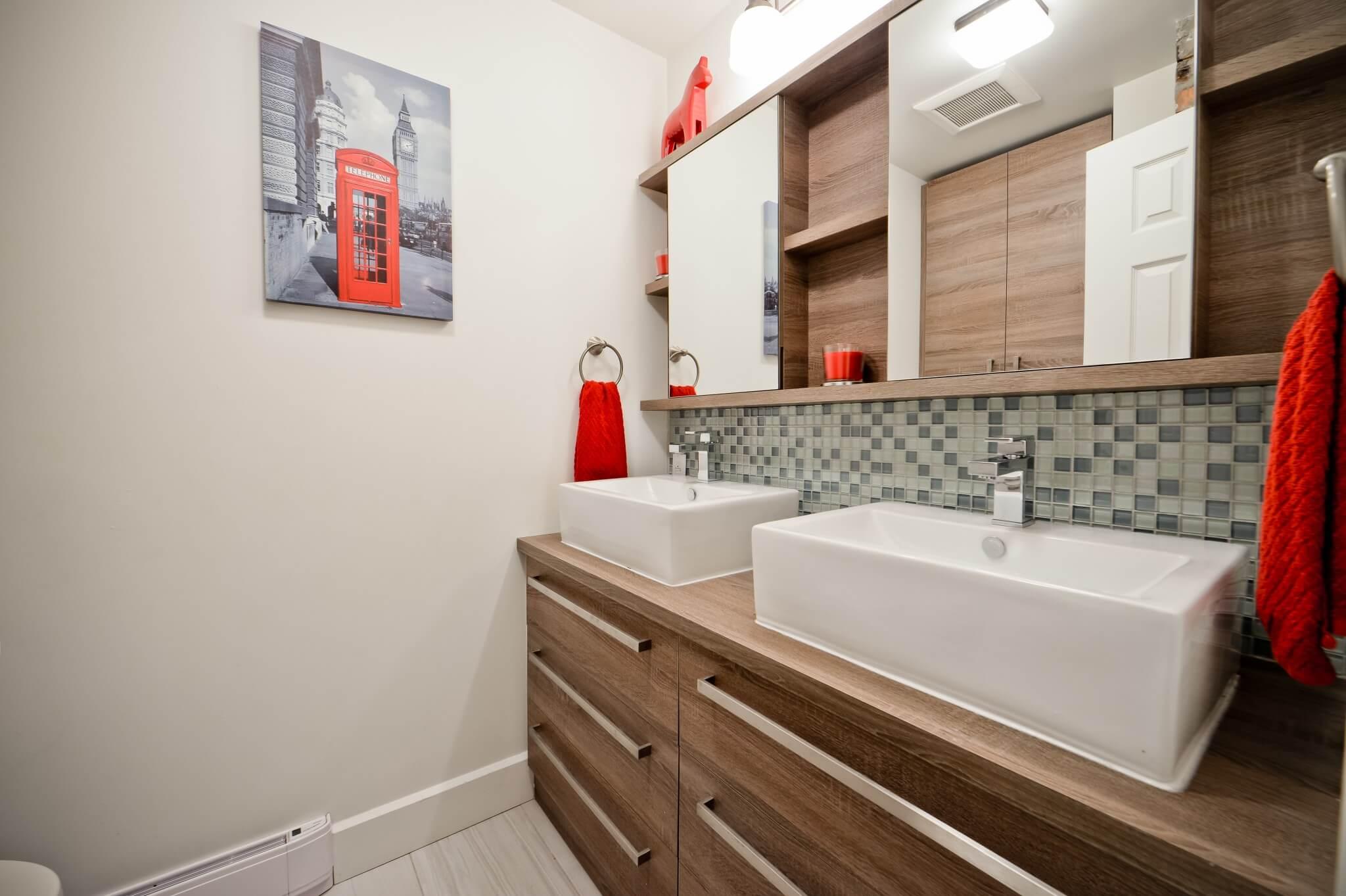 grande vanite de salle de bain