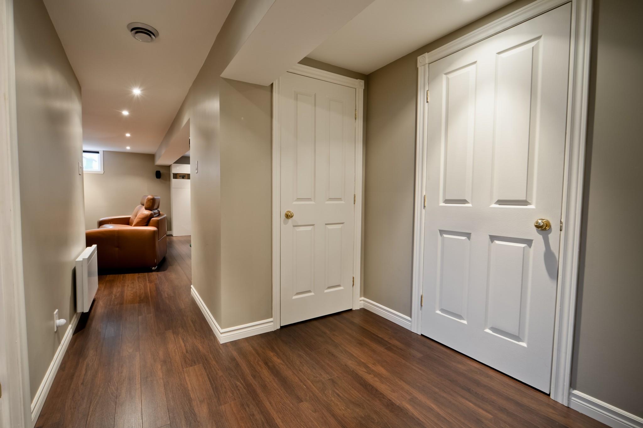 corridor dans sous-sol
