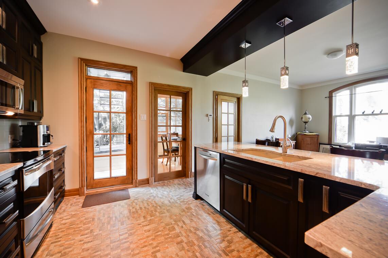 portes vitrées en bois maison
