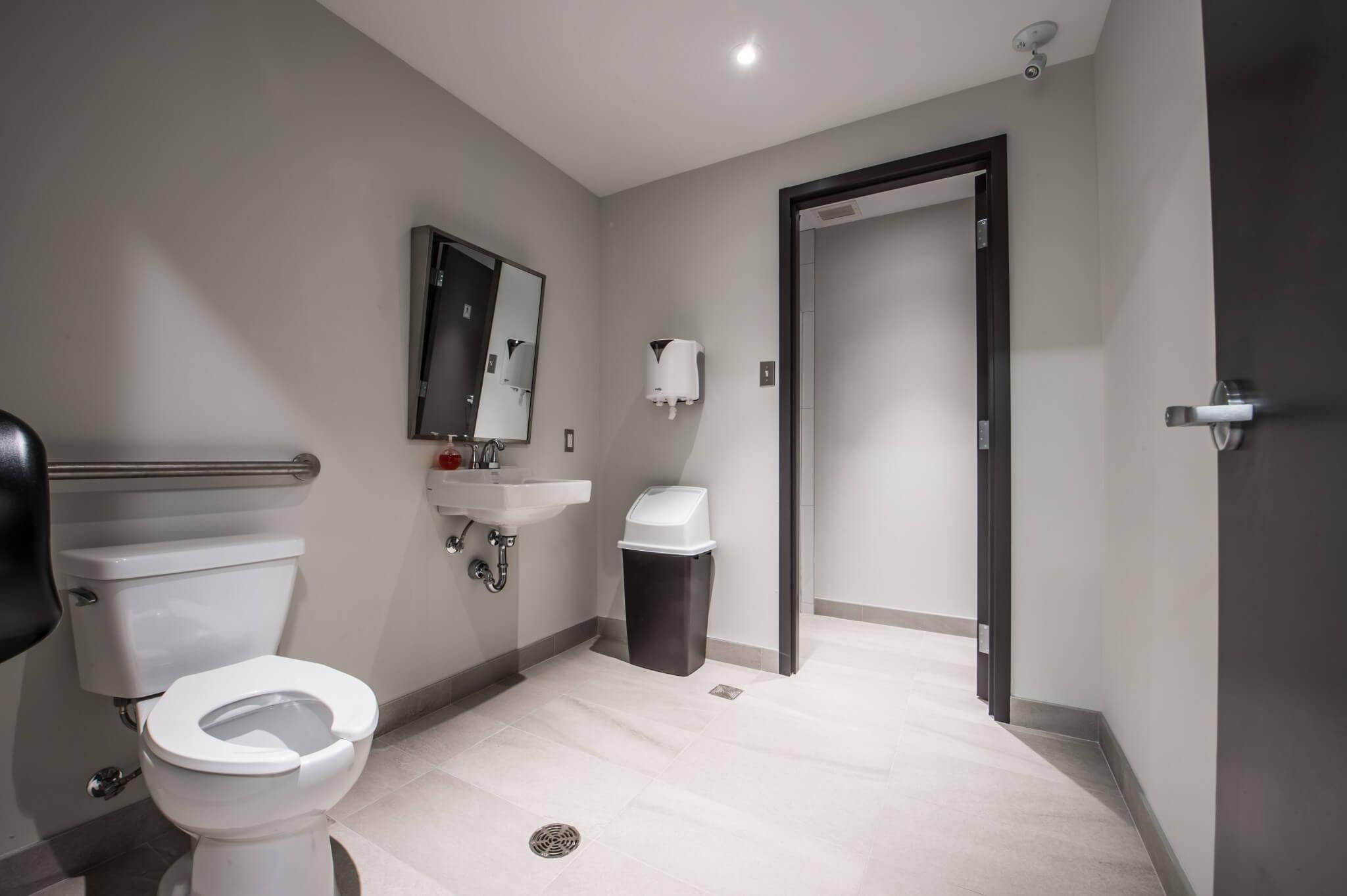 Rénovation de salle de bain bureau