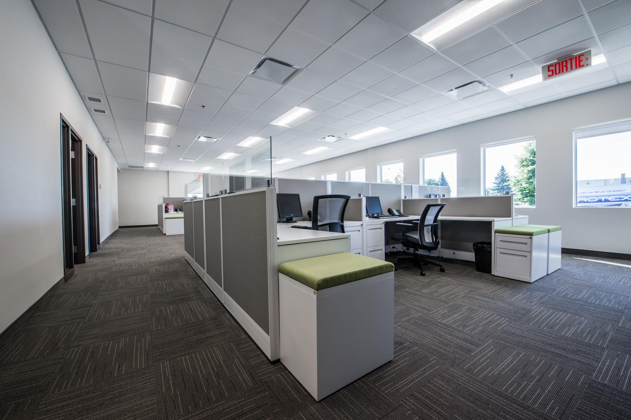 Espace de travail bureau employés