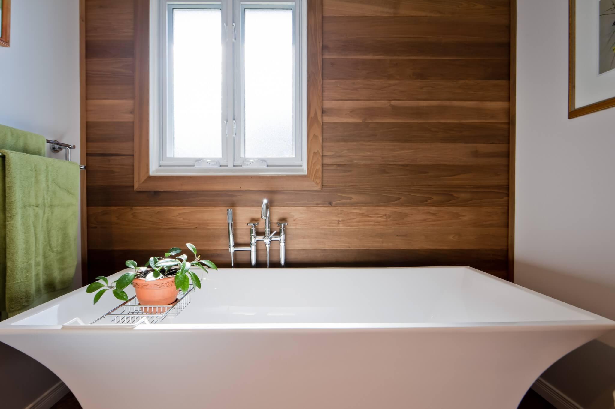 revetement de bois salle de bain
