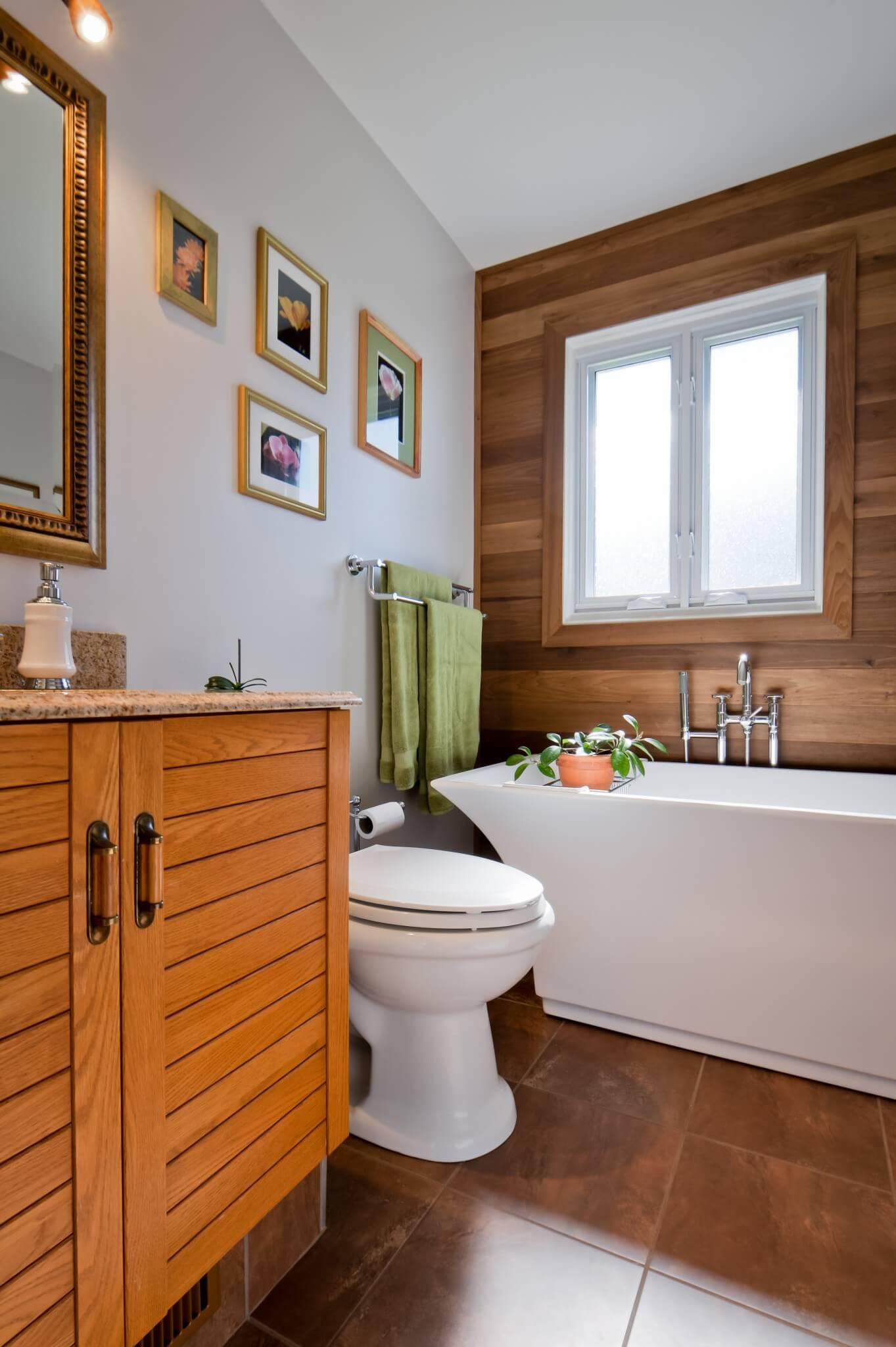 salle de bain de bois