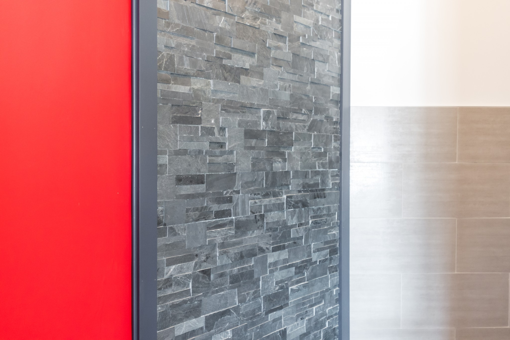 texture finition de mur en fausses pierres