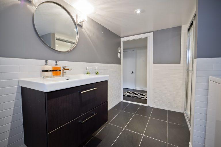 Croze   Sous-sol et salle de bain