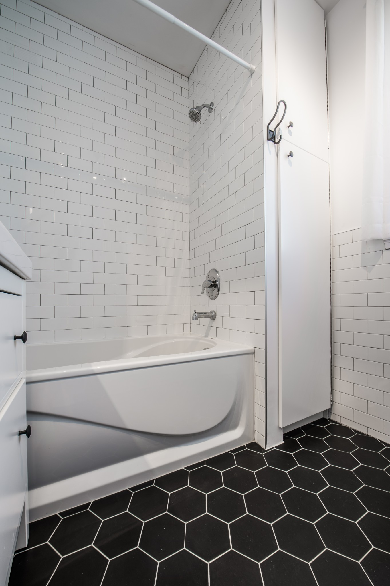Home Addition Brouillette Project Modern Contemporary White bathroom White tiles
