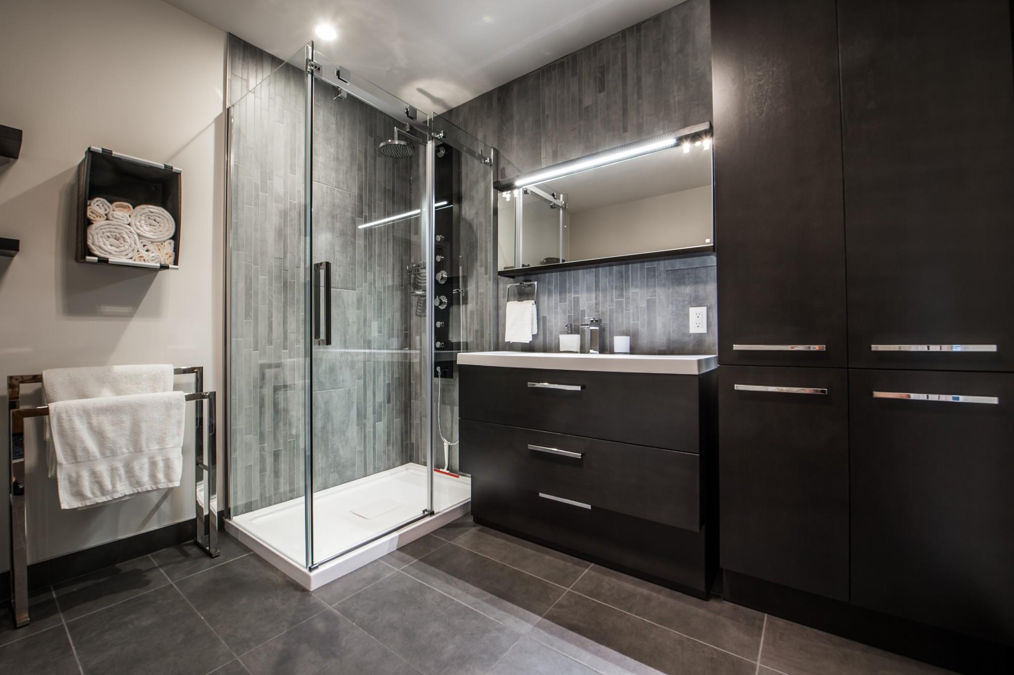 salle de bain moderne luxe