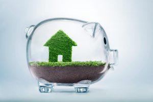 Tirelire avec maison verte