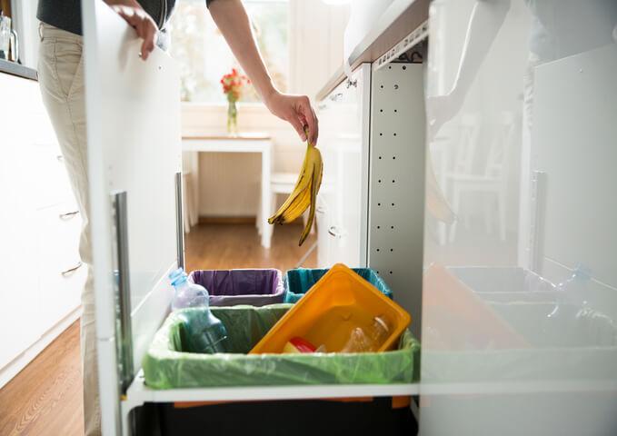 système recyclage dans une cuisine