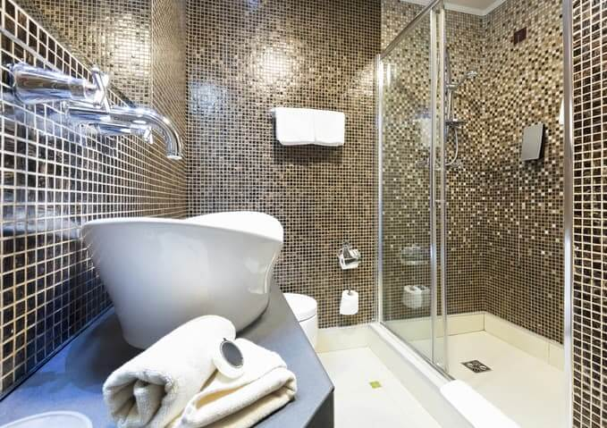 Bathroom Renovation Cost In Toronto Montreal RenoAssistance - Approximate cost to remodel a bathroom