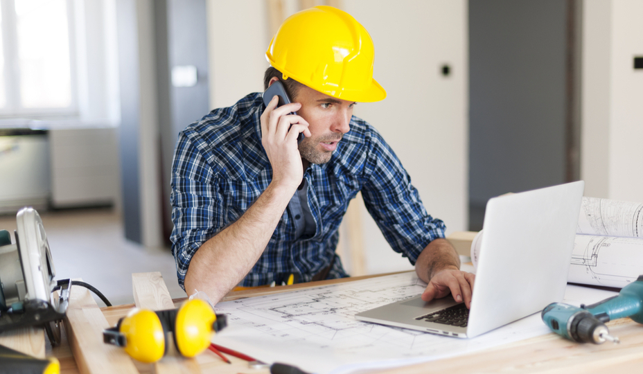 entrepreneur au telephone