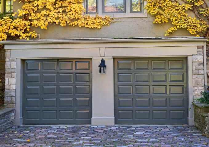 portes de garage pvc