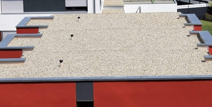 tar and gravel commercial roof