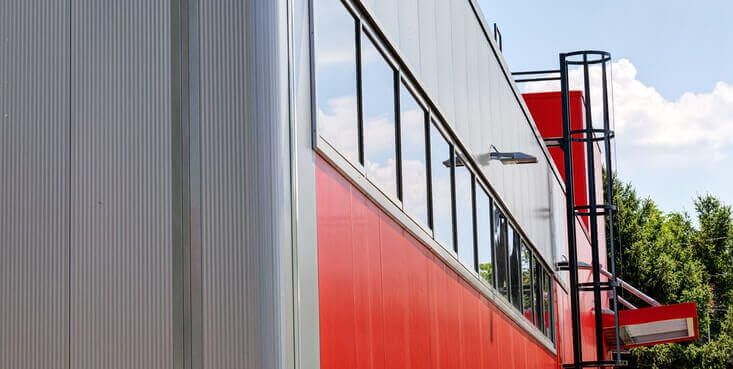 aluminum siding commercial building