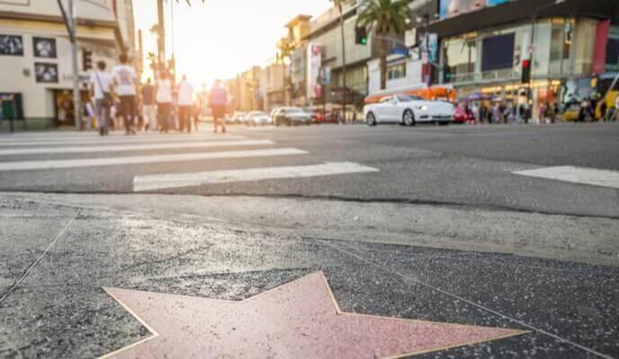 étoile de célébrité dans une rue d'hollywood