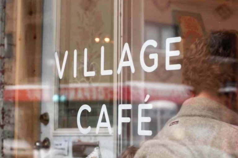 Village Café   Café mère-enfant