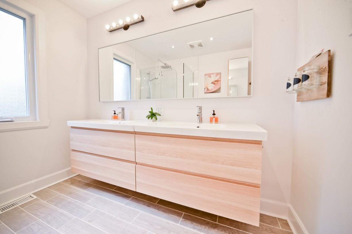 pale bathroom design