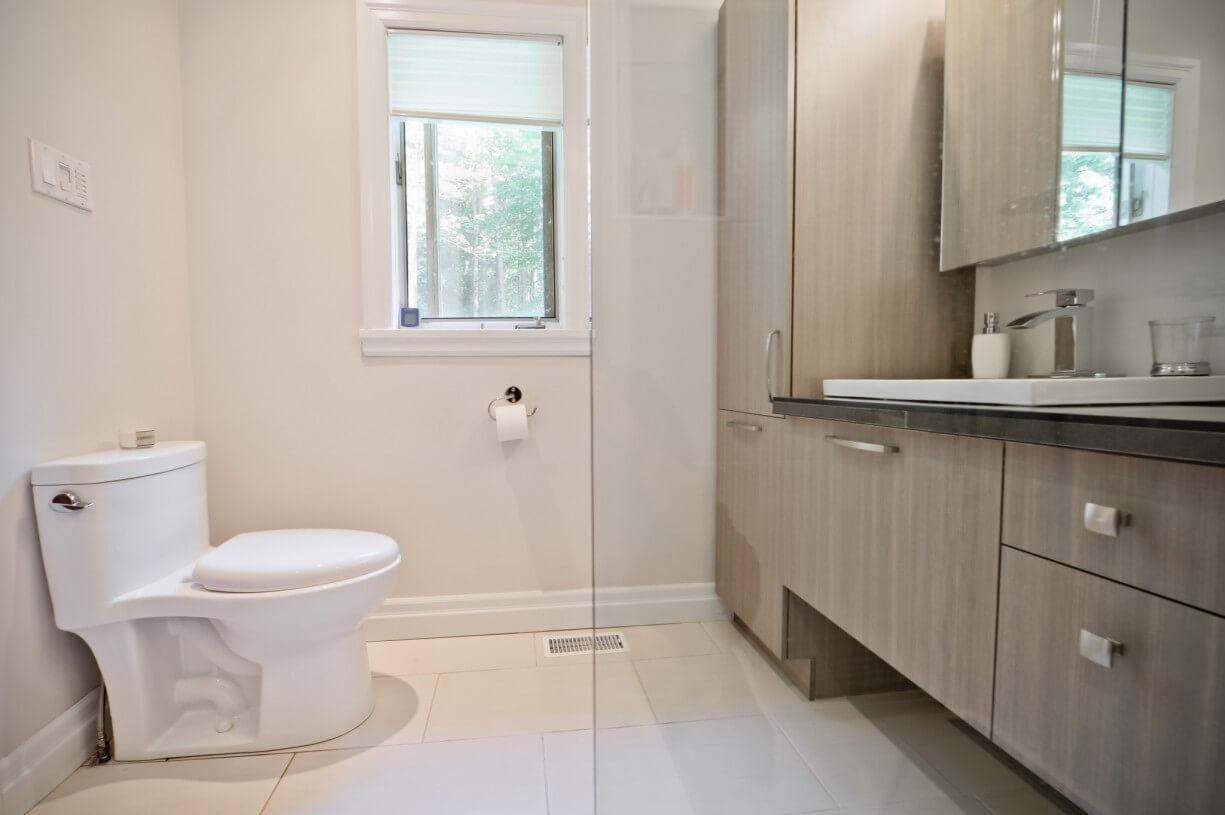 small bathroom displacing