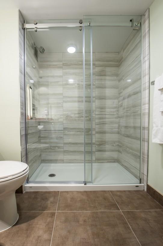hotel bathroom contractor
