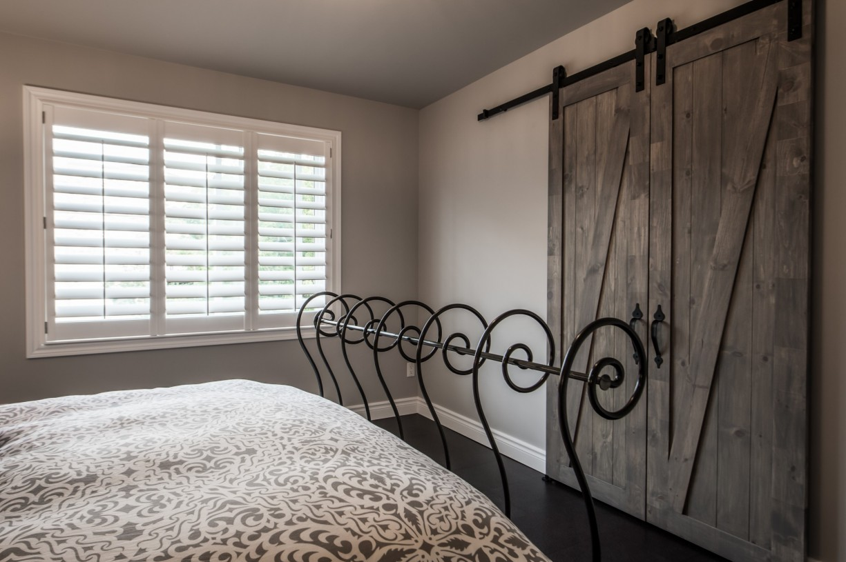 wooden doors in bedroom
