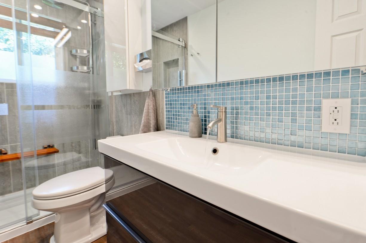 bathroom renovator montreal