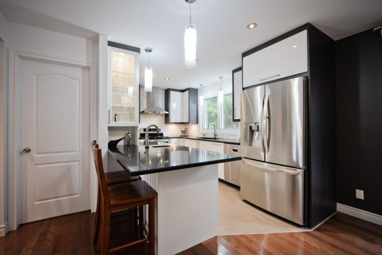 kitchen with isle