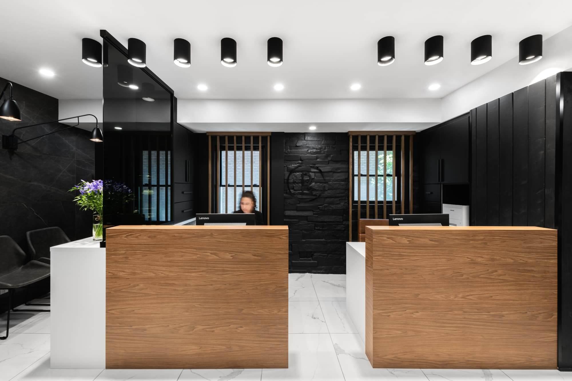 Réception Clinique Dentaire Rosemont - Rénovation commerciale
