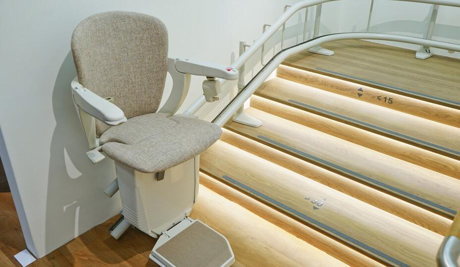 elevator_chair