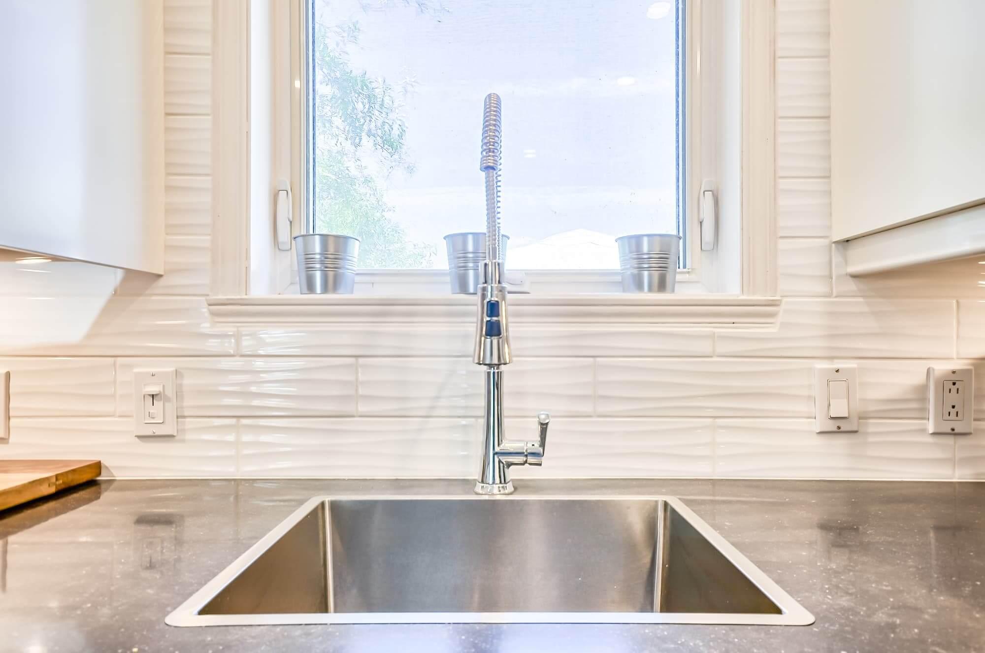 lavabo de cuisine en stainless encastré