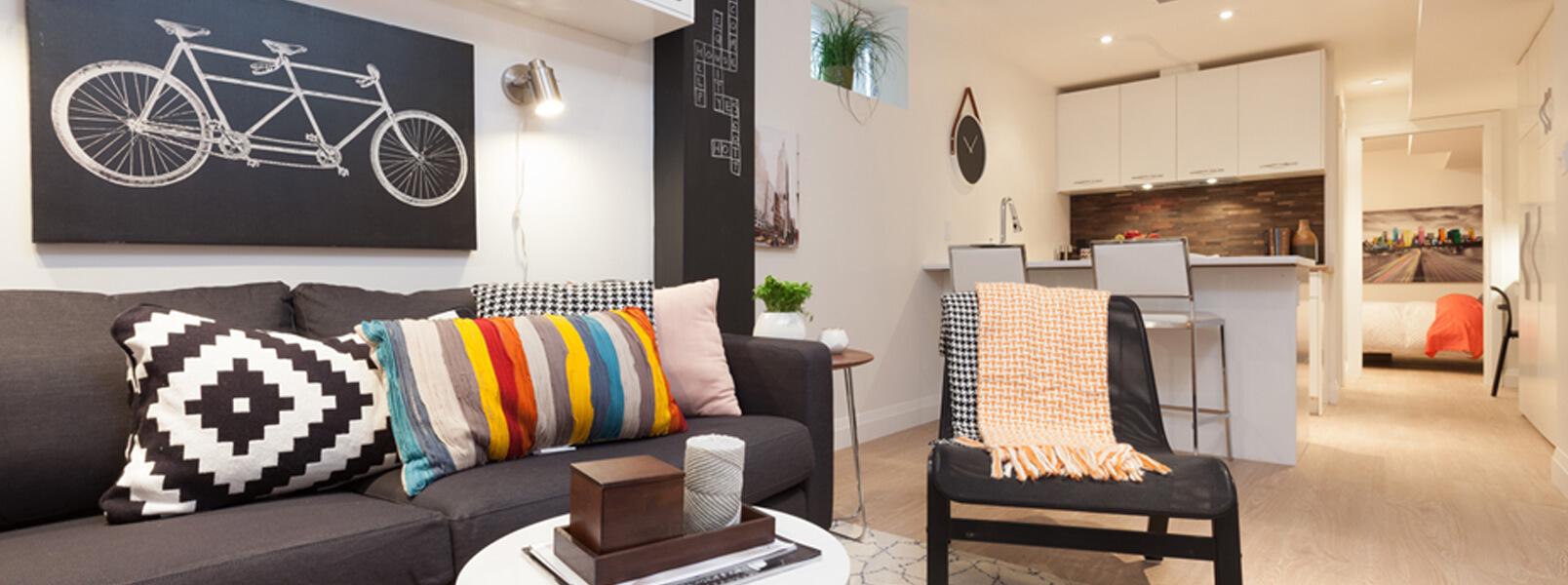 top 10 des id es de r novation de sous sol pour un design unique. Black Bedroom Furniture Sets. Home Design Ideas