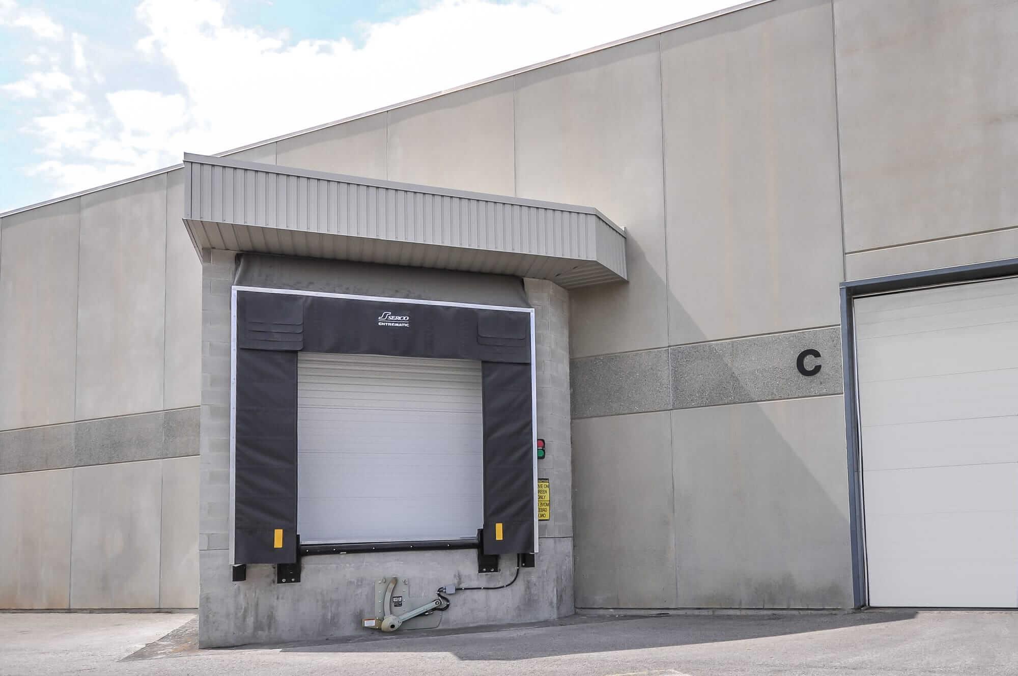 loading dock door - Canpar