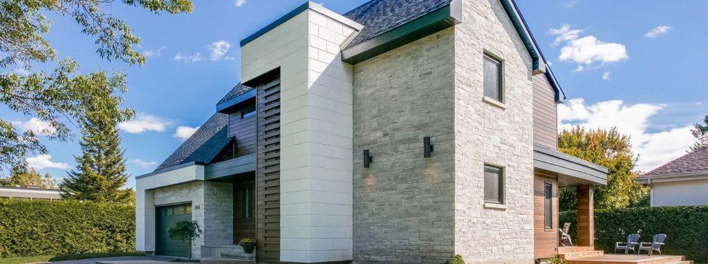 Remplacer le revêtement extérieur d'une maison en 2021, combien ça coûte?