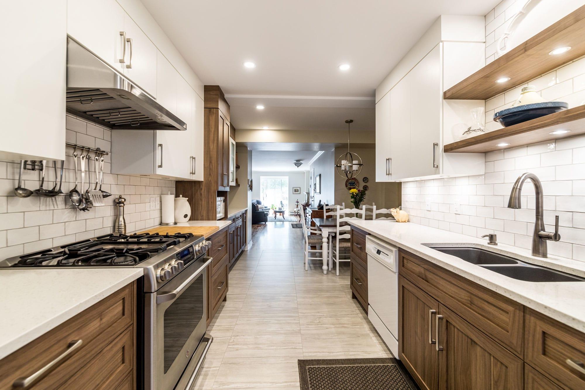 armoire de cuisine en polyester et mélamine