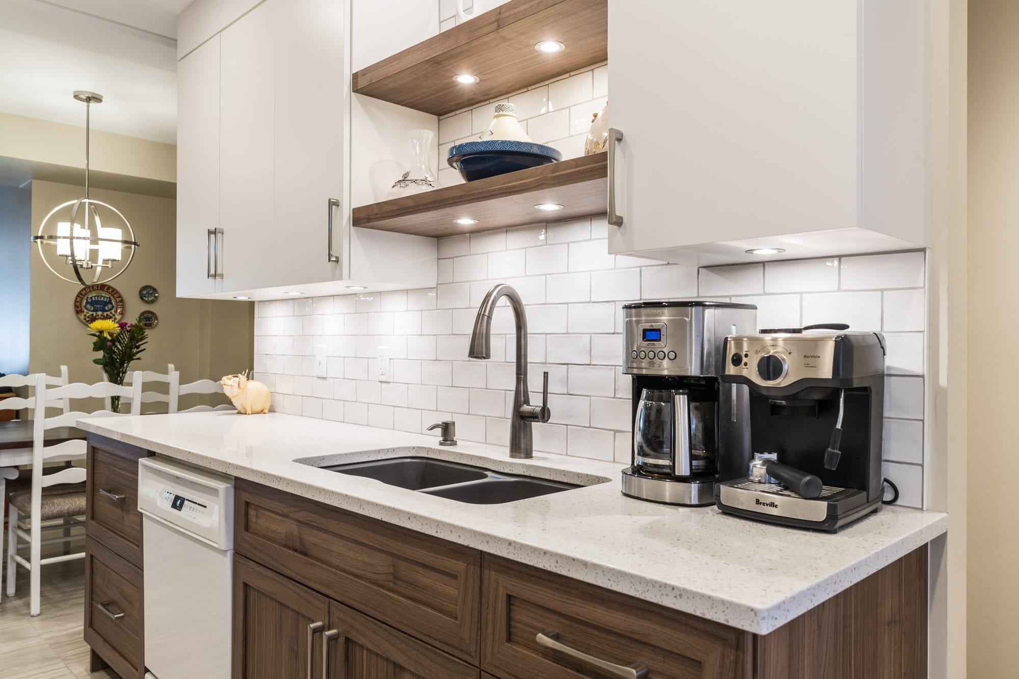 kitchen backsplash with two tone cabinets