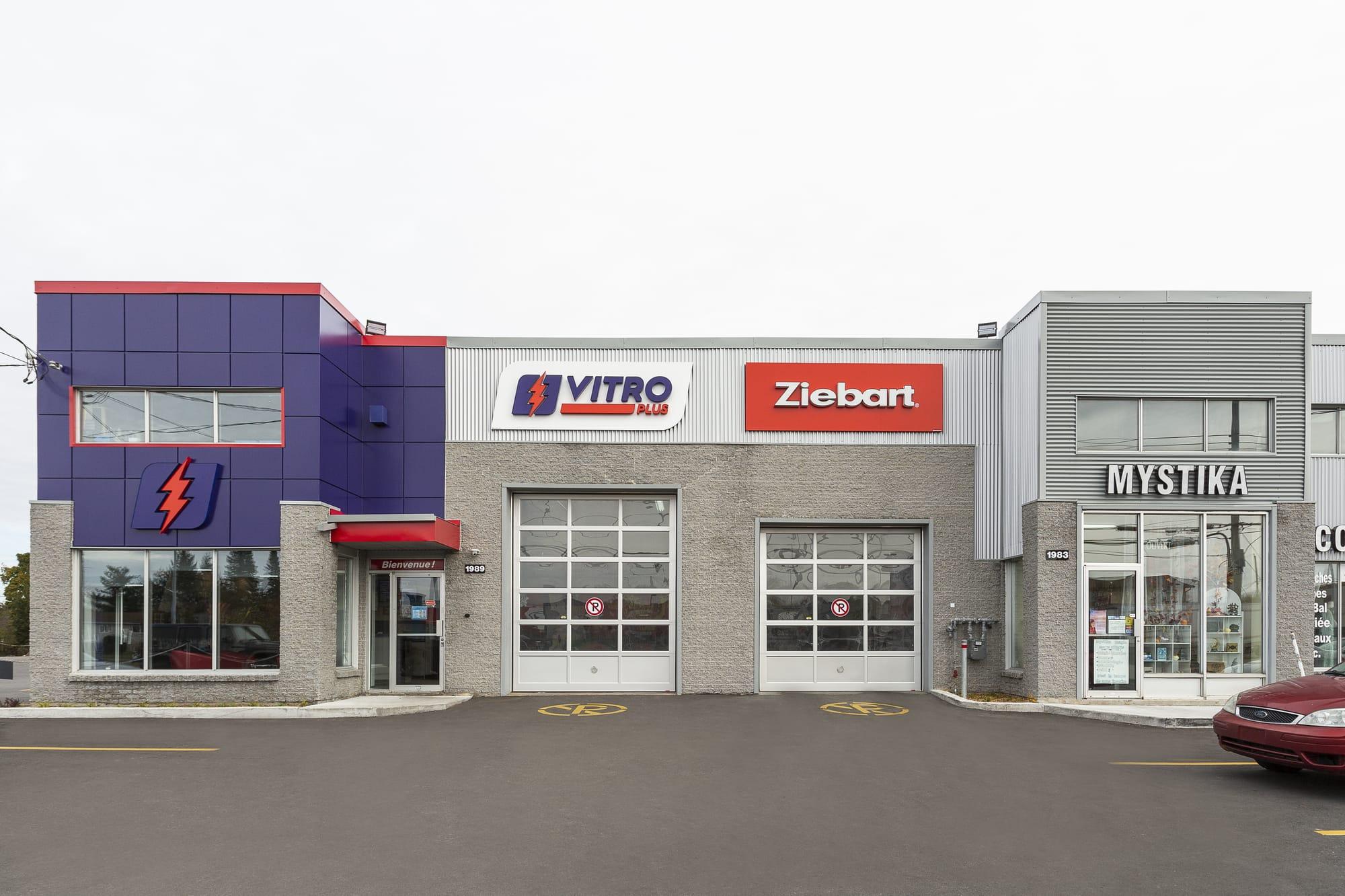 réfection extérieur bâtisse commerciale - Vitro-Plus/Ziebart