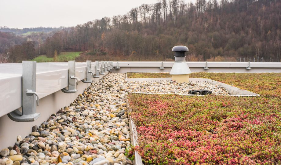 La toiture bleue: un choix écologique aux multiples avantages