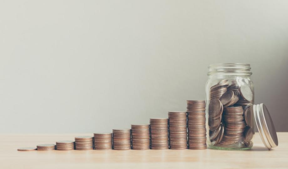 monnaie d'un budget d'entreprise empilée
