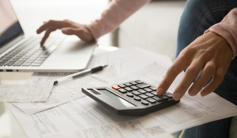 a woman budgeting