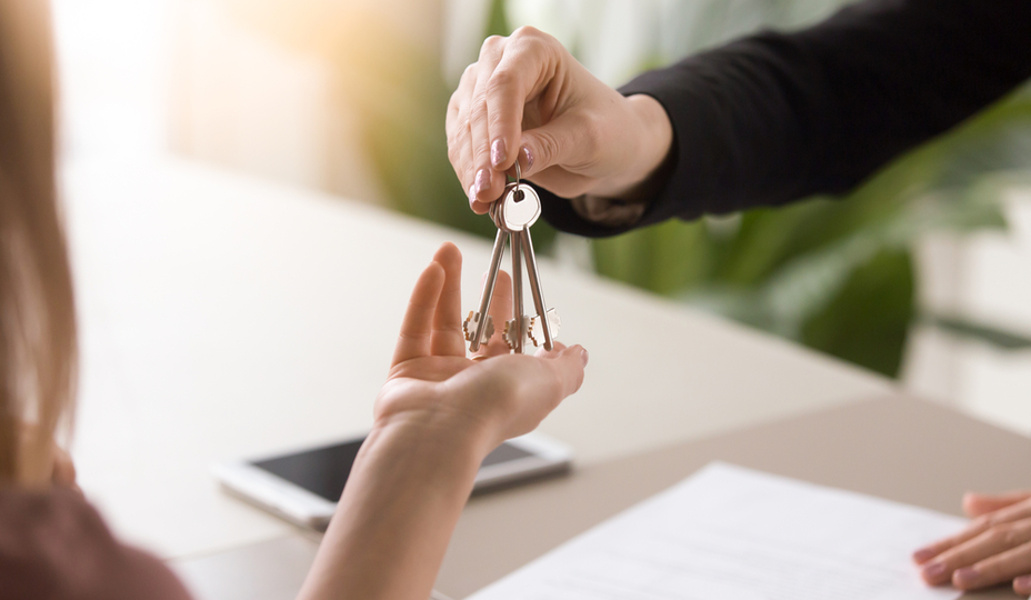 key transfer for an apartment lease